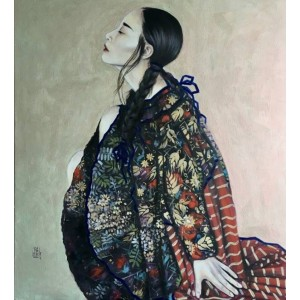 Девушка в пестром кимоно
