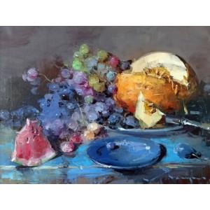 Фрукты и голубая тарелка