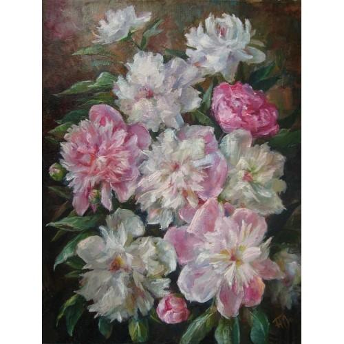 Белые и розовые пионы