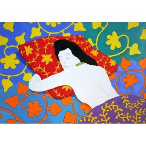 Спящая на подушке