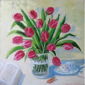 Тюльпаны в стеклянной вазе