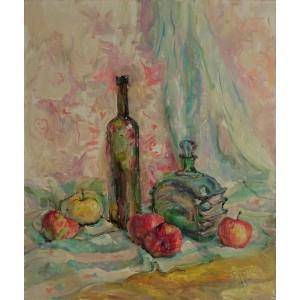 Стеклянные предметы и яблоки